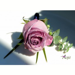 Cocarda trandafir violet