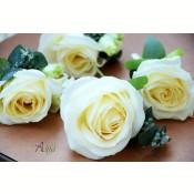 Cocarda trandafir si lisianthus