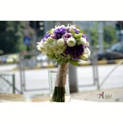 Buchet trandafiri Memory Lane, lisianthus alb si mov, alstroemeria