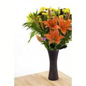 Buchet de crini si crizanteme
