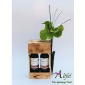 Buchet anthurium si cutie cu doua sticle de vin